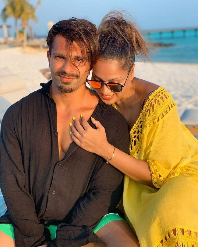 Bipasha Basu Beach clicks