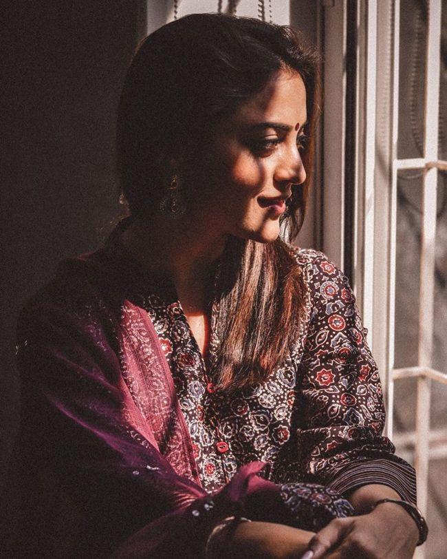 Nisha Aggarwal Beauty Clicks