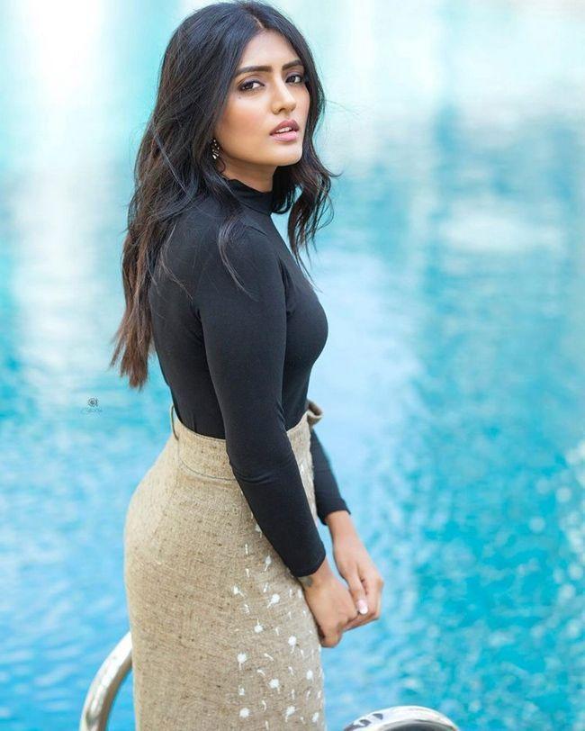 Ravishing Beauty Eesha Rebba Elegant Images
