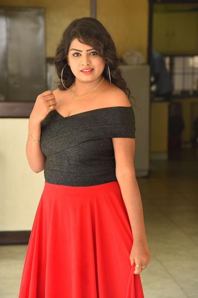 Sridevi Padindala Hellow Medam Movie Press Meet
