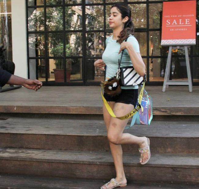 Jahhvi Kapoor Looks Cool In Gym Wear