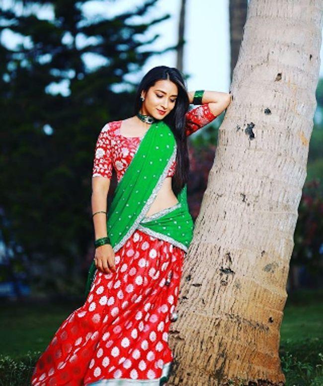 Bhanu Shree Adorable Photoshoot Clicks