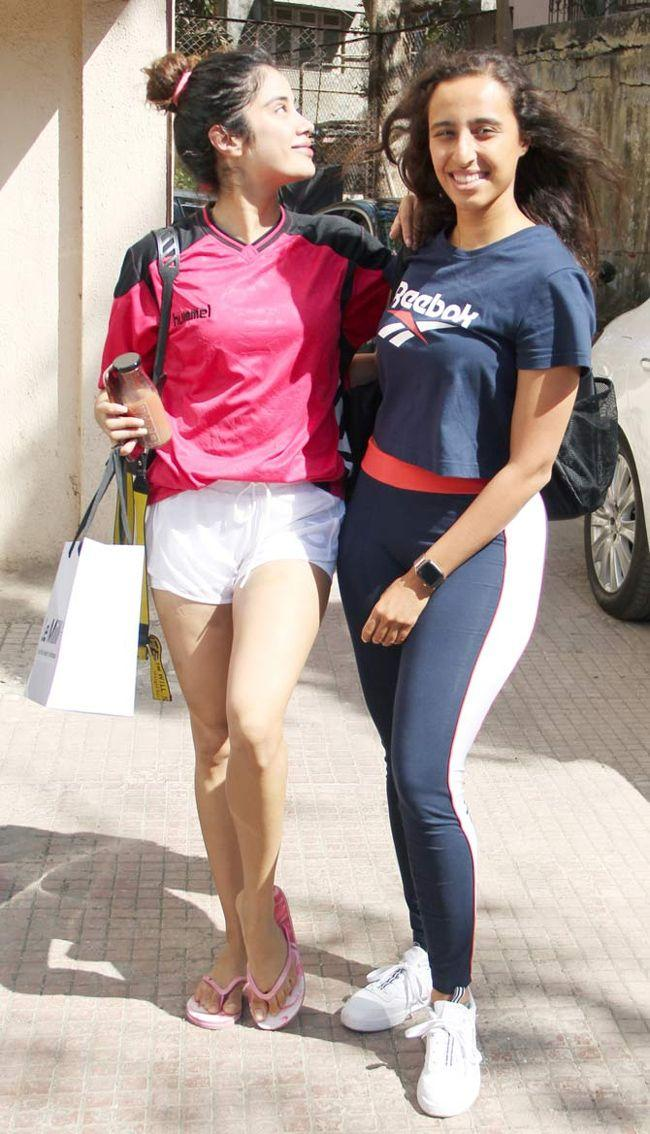 Janhvi Kapoor And Other Bollywood Celebs Clicked At Gym