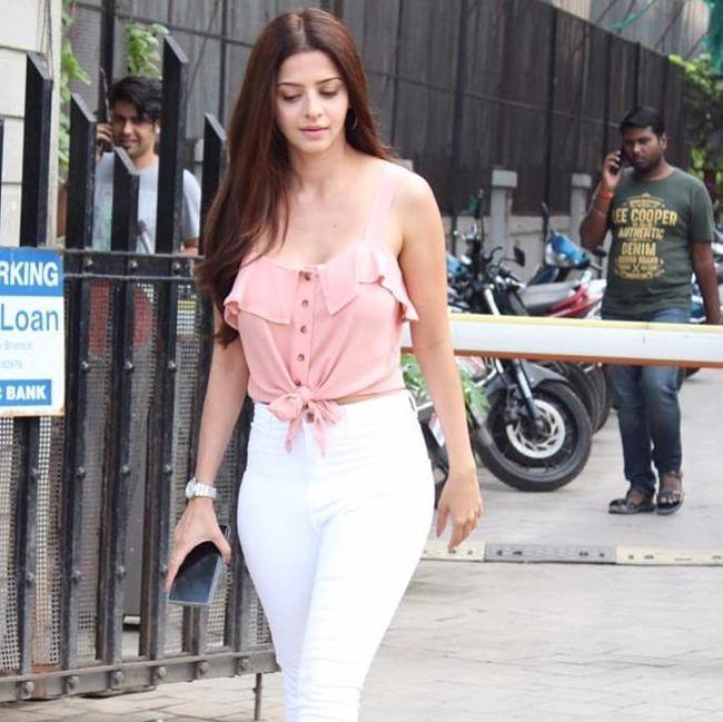 Vedhika Beauty Clicks