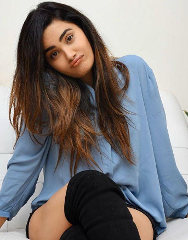 Sakshi Dwivedi Glamorous Photoshoot
