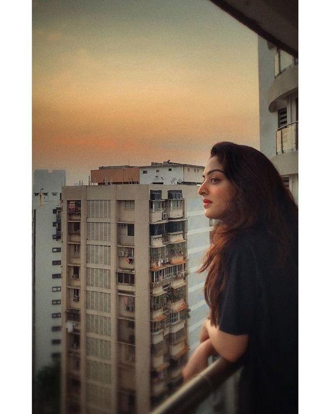 Sandeepa Dhar Beauty Clicks