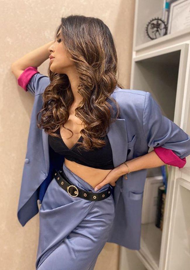 Mouni Roy Trendy Looks