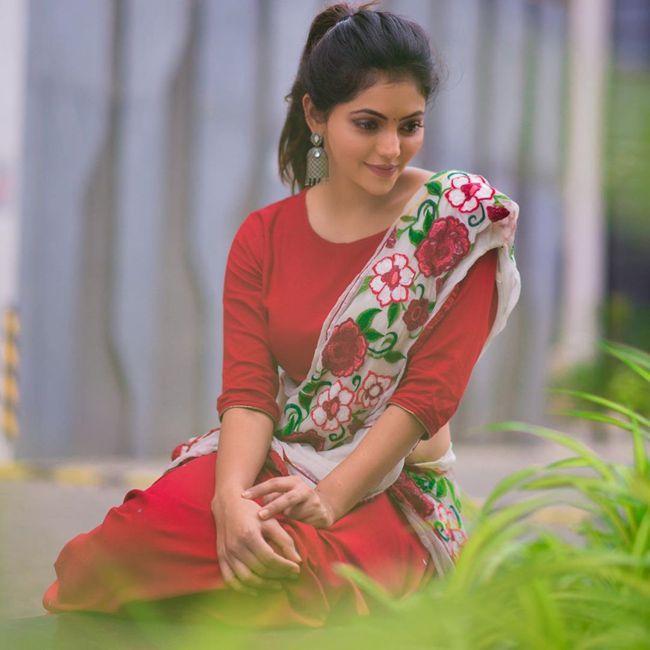 Athulya Ravi Traditional Pics
