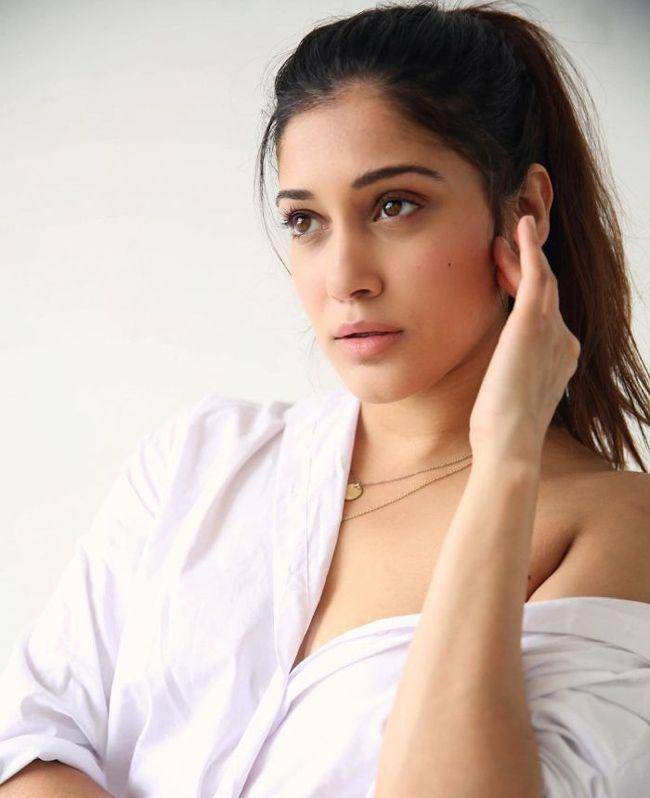 Aneesha Joshi Latest Snaps