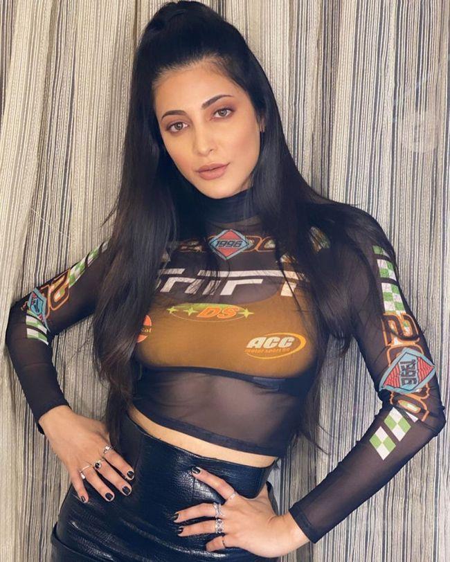 Shruti Haasan Trendy Clicks