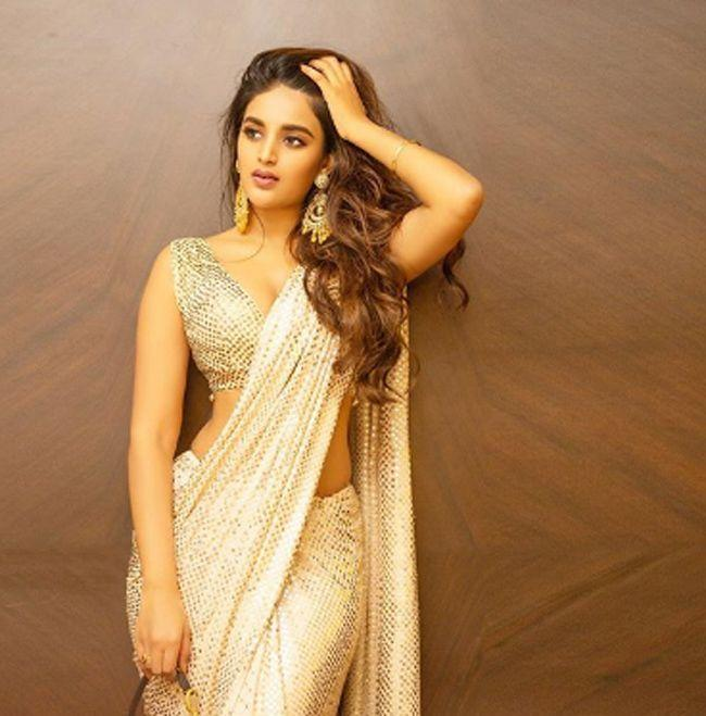 Gorgeous Beauty Nidhhi Agerwal Naughty Looks