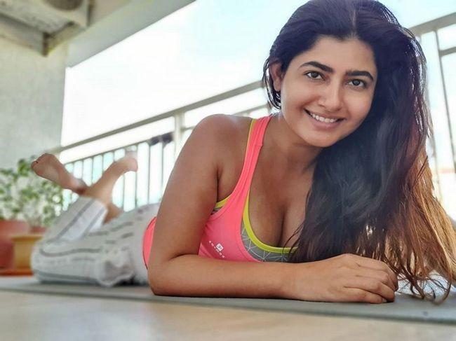 Ashima Narwal Quarantine Poses