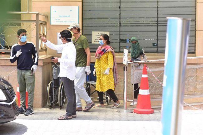 Irrfan khan Ambani hospital visuals
