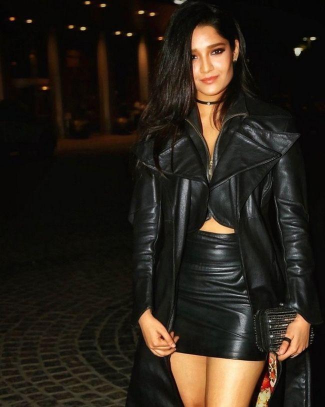 Ritika Singh Stunning Poses