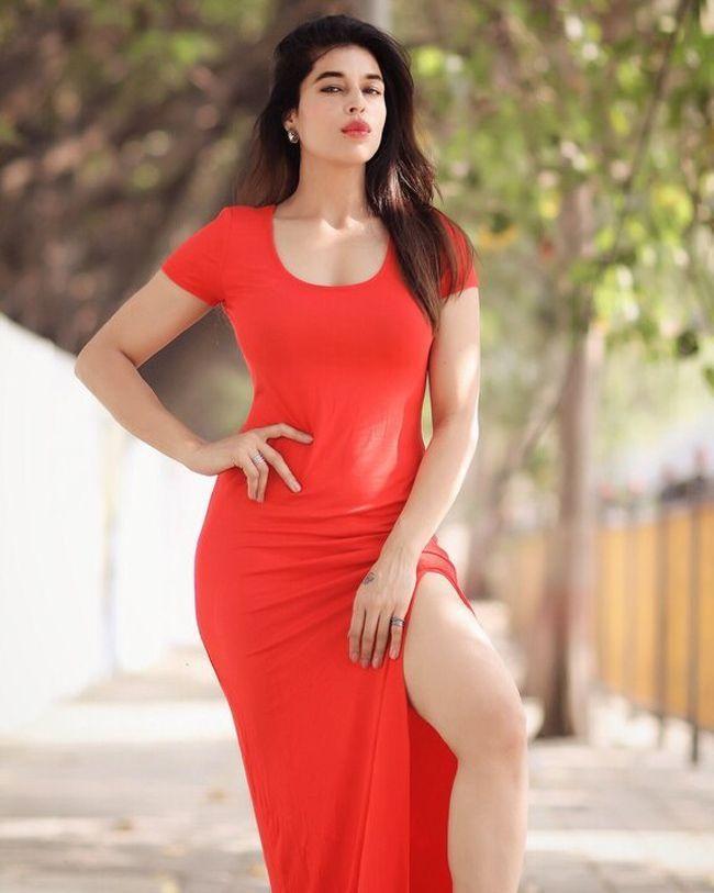 Sheeva Rana Ravishing Clicks