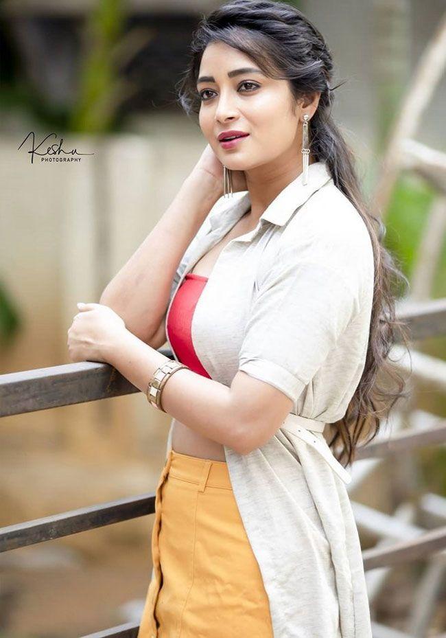 Bhanu Shree High Quality Pics