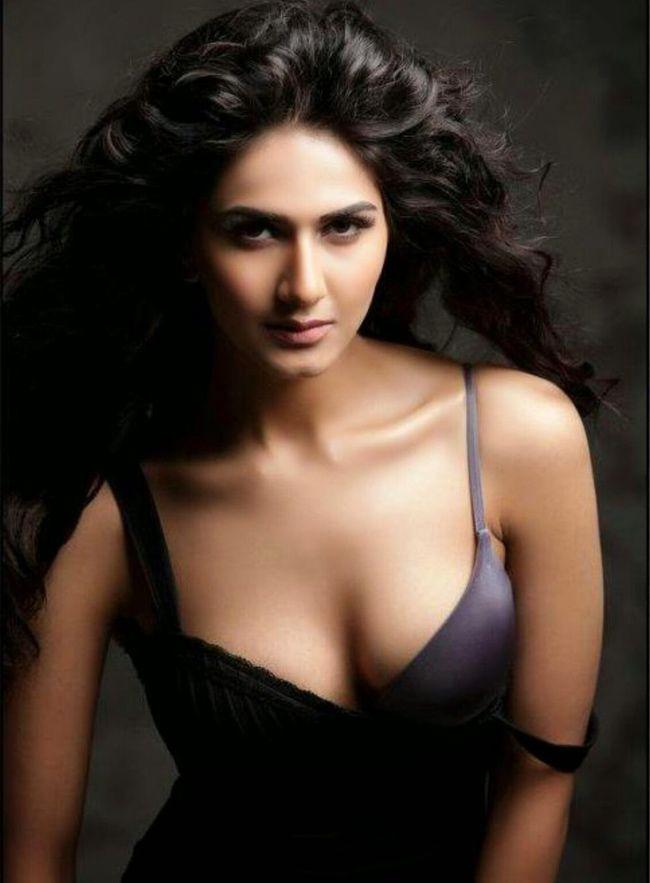 Vaani Kapoor Gorgeous Clicks