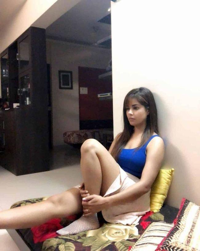 Meera Chopra Trendy Clicks