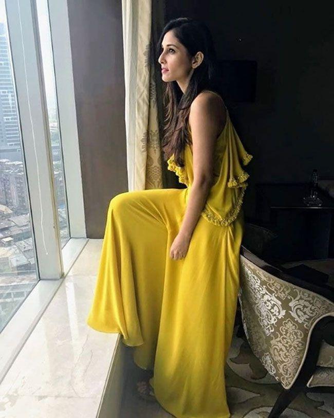 Pooja Chopra Beautiful Stills
