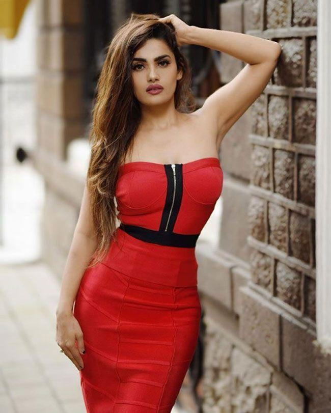 Sakshi Dwivedi New Stills