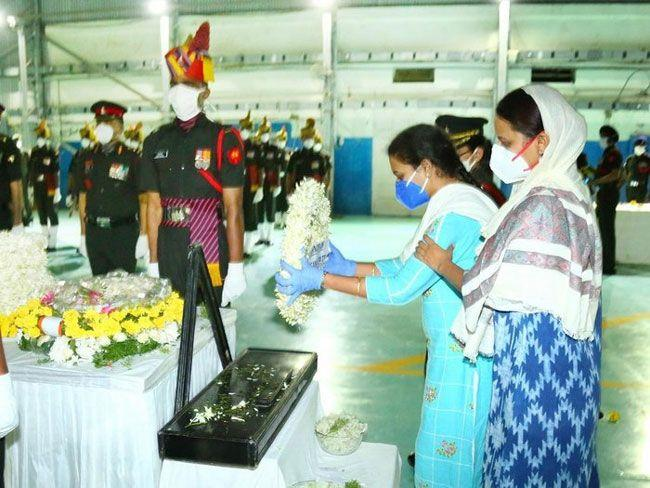 Higher officials Condolence To santhosh Babu