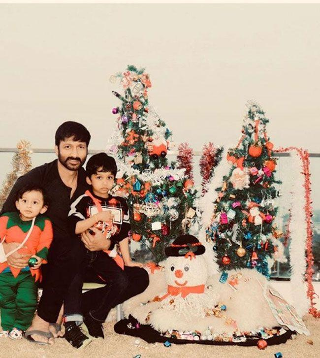 GopiChand With His Family