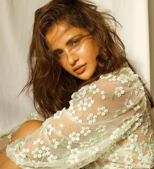 Aisha Sharma Glamorous Stills