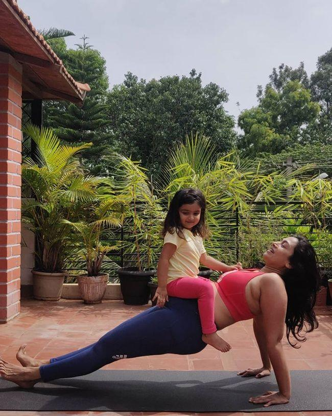 Shwetha Srivatsav Latest Photoshoot With Her Daughter