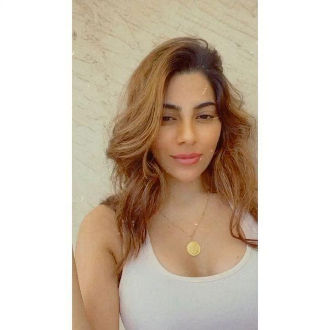 Nikki Tamboli Looking Beautiful