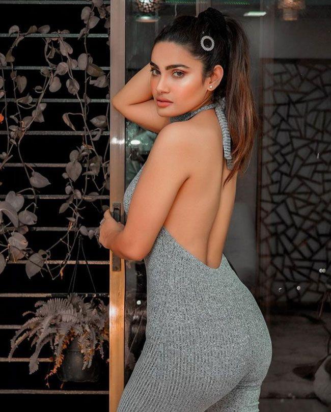 Sakshi Dwivedi New HD Wallpapers