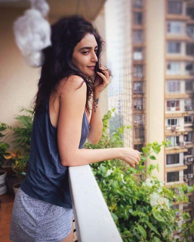 Karishma Tanna New Stills