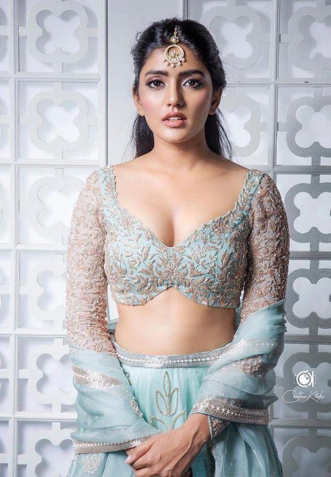 Eesha Rebba Gorgeous Looks