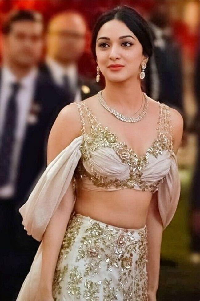 Kiara Advani Adorable Photoshoot