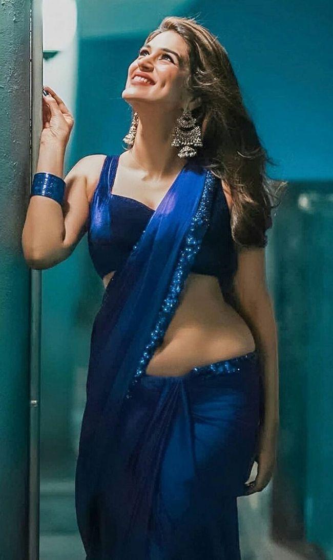 Shraddha Das Teasing Looks
