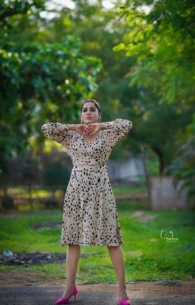Rashmi Gautam HD Pictures