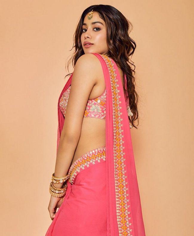 Janhvi Kapoor Gorgeous Photoshoot