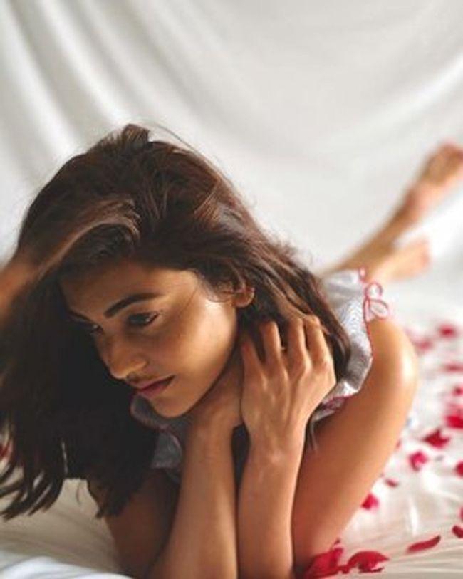 Kajal Aggarwal Quarantine Poses