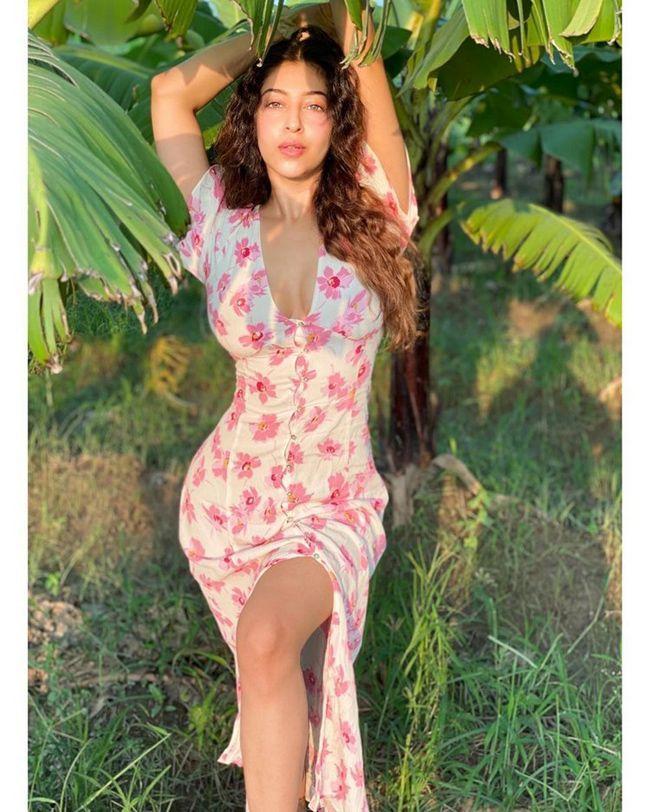 Sonarika Bhadoria Trendy Clicks