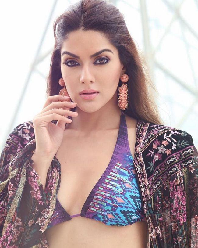 Sakshi Chaudhary Joyful Looks