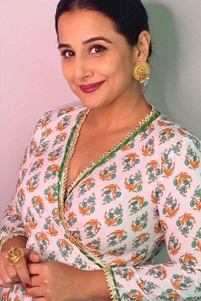 Vidya Balan Alluring Stills