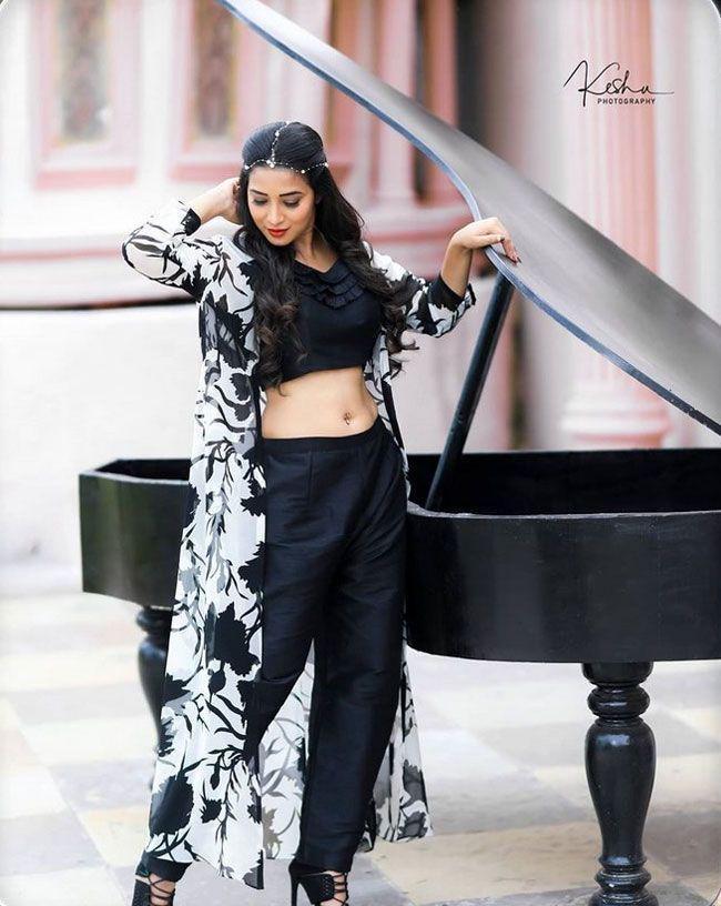 Bhanu Shree Latest Photos