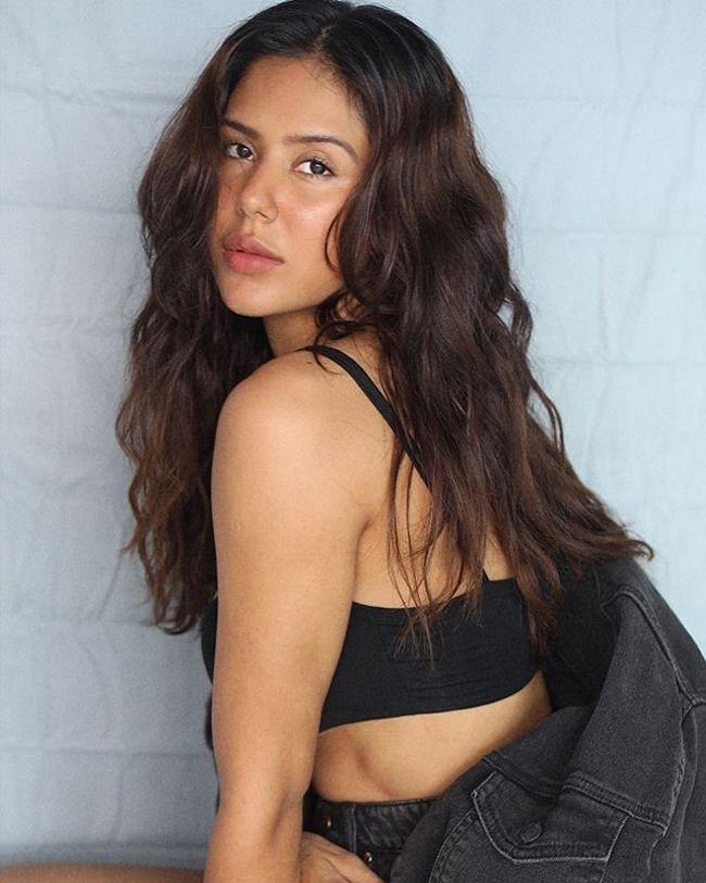 Sonam Bajwa Beauty Stills