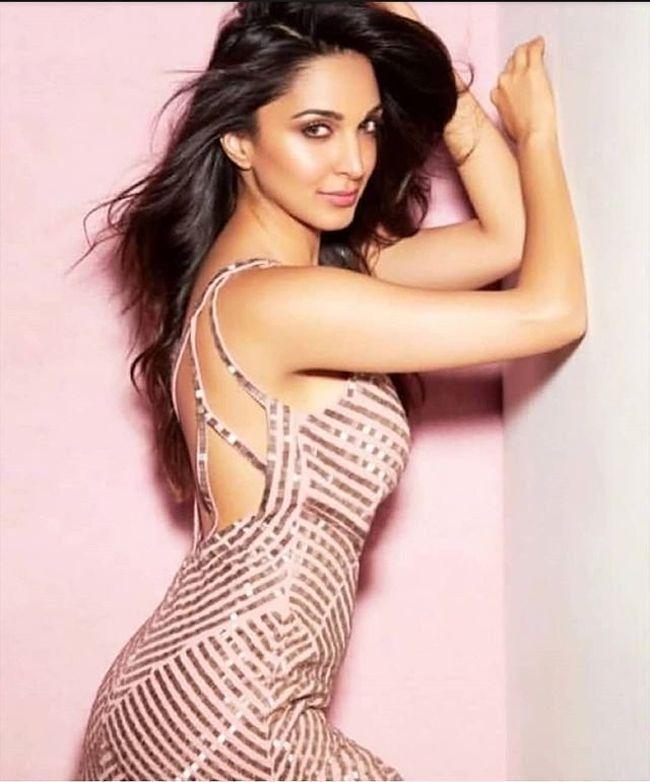 Kiara Advani Awesome Poses
