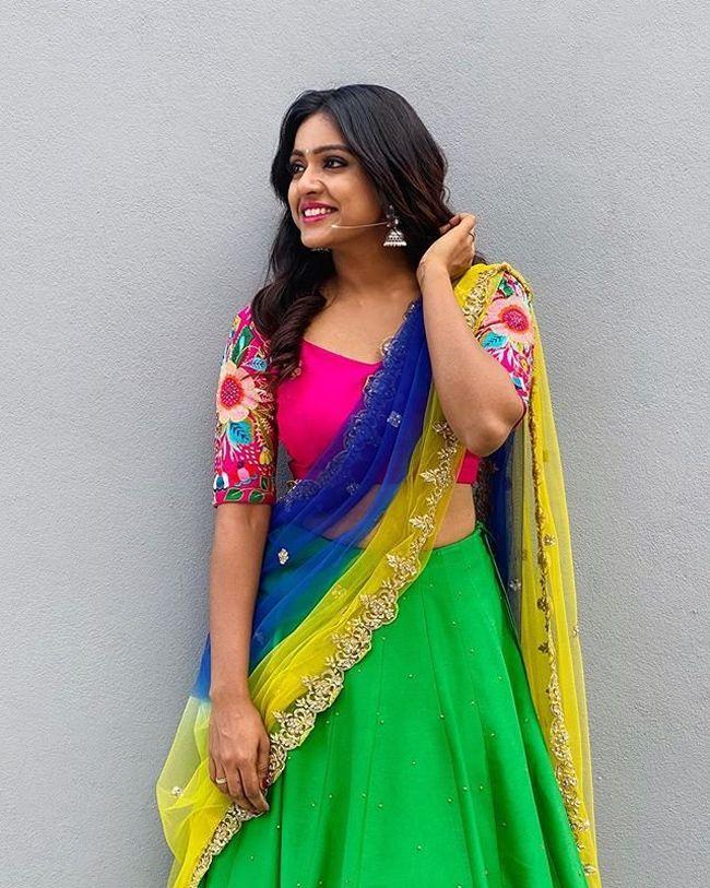 Vithika Sheru Alluring Looks