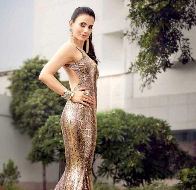 Ameesha Patel pics