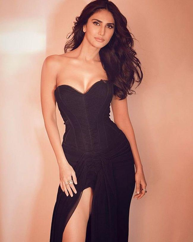 Vaani Kapoor Trendy Clicks