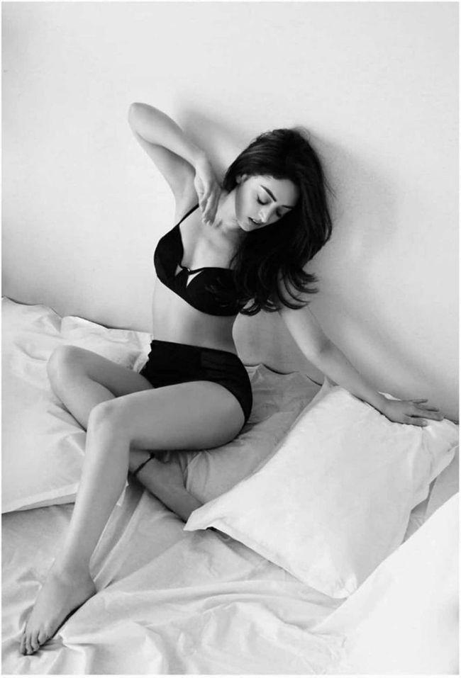 Sandeepa Dhar Stunning Stills