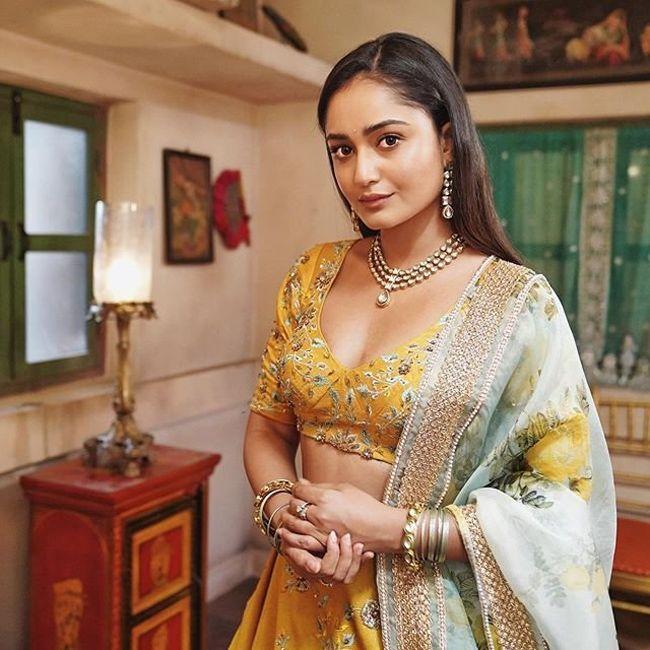 Tridha Choudhury Beauty Pics