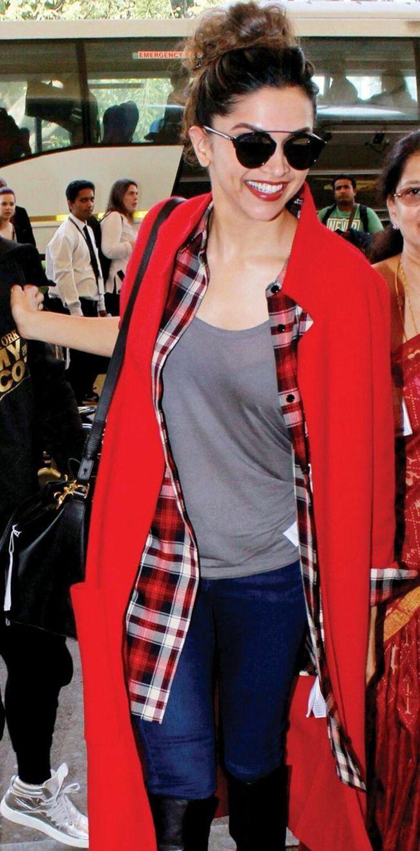 Deepika Padukone Trendy Clicks