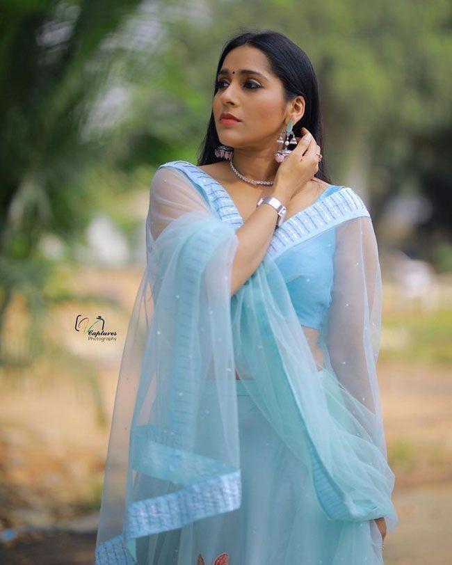 Rashmi Gautam Cute Poses